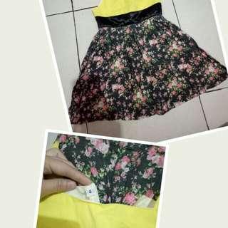 Yellow black dress