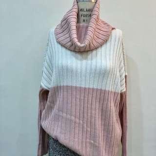 🚚 粉白色高領翻領毛衣