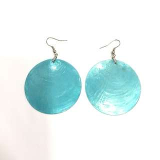Turquoise blue shell round earrings