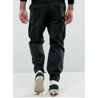 🚚 全新現貨 Carhartt WIP Camper Pants 工作褲 口袋