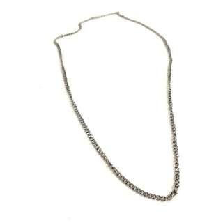 Simple plain metal chain