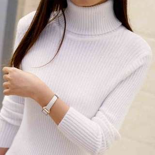 Lovely knitted turtleneck sweater cardigan, white, size small