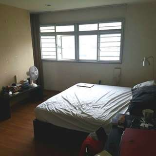 1 master bedroom with attached bathroom n toilet in Serangoon Ville