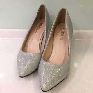🚚 全新37/23.5銀色高跟鞋,歡迎換物