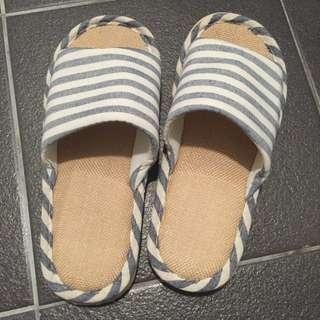 🚚 全新便宜出售現貨今天下標明天寄出男女款室內拖條紋室內拖鞋日式拖鞋