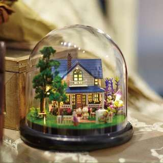 BNIB Xmas gift / DIY toy dream house / DIY glass ball