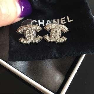 Chanel CC earring