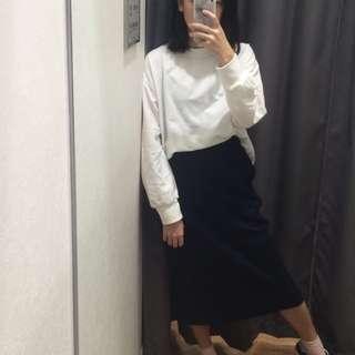 白色長袖上衣