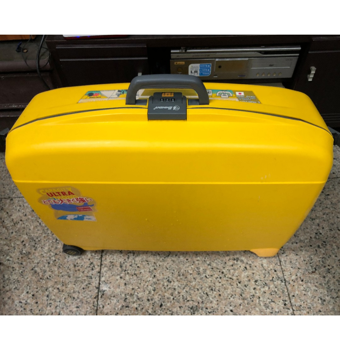 二手 萬國通路 L Horizon Eminent 日本設計 ABS 耐撞外殼 黃色 密碼鎖 30吋 行李箱 旅行箱