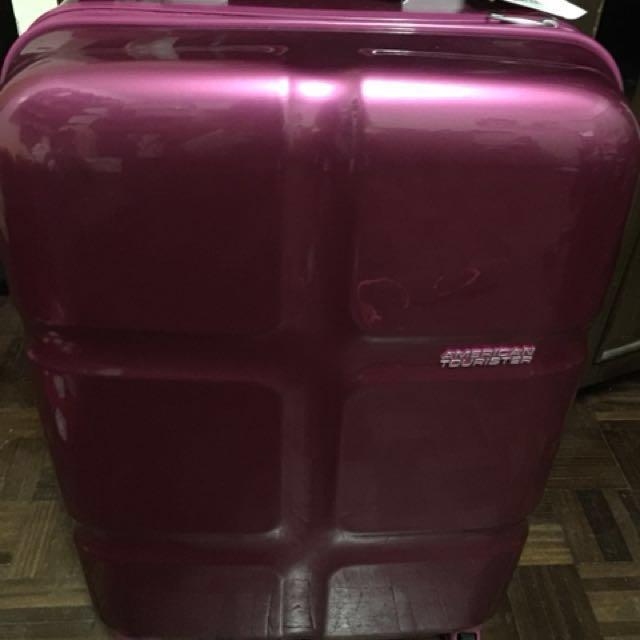 American Tourister Luggage Pink (Medium)