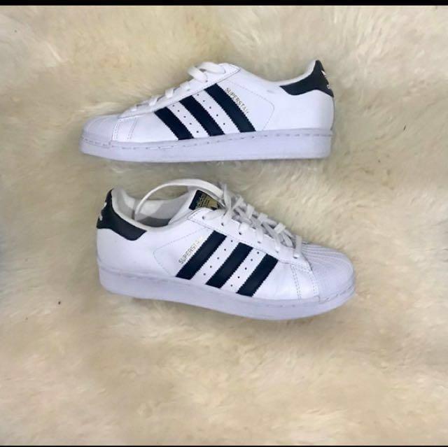 Authentic Adidas Superstar US 4 women's
