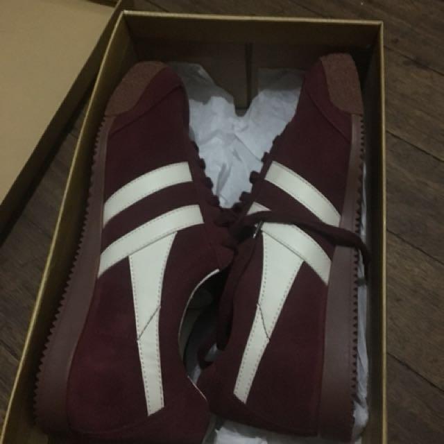 Authentic gola shoes