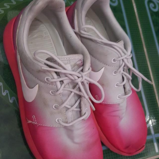 Authentic Nike Roshe