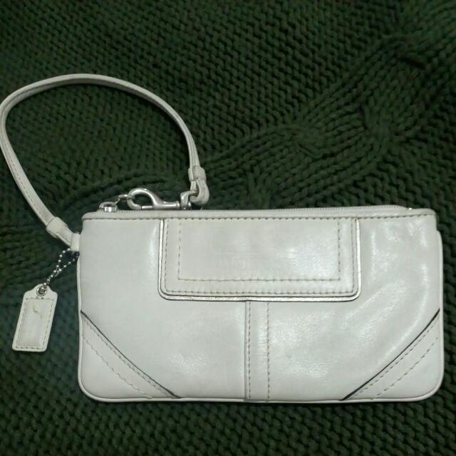 SALE!!! Authentic Wristlet pure leather fron U.S. ,color cream