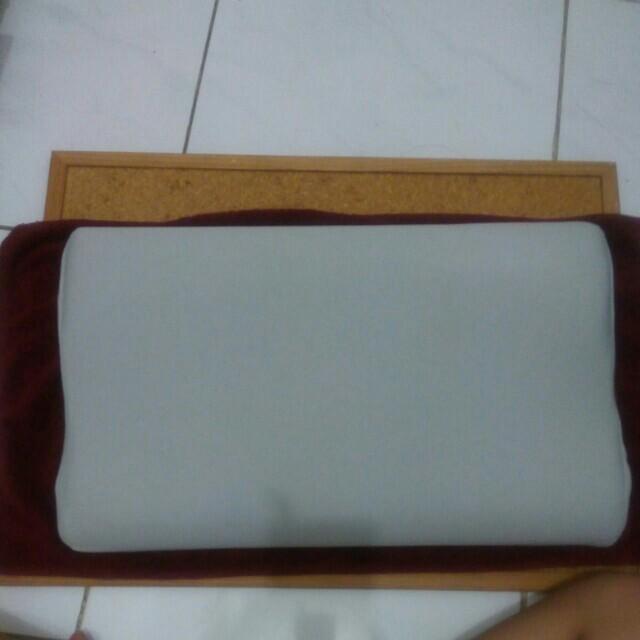 Bantal bamboo charcoal memory foam pillow