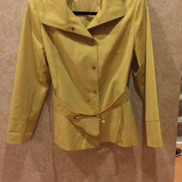 Beautiful mustard yellow belt jacket m/l