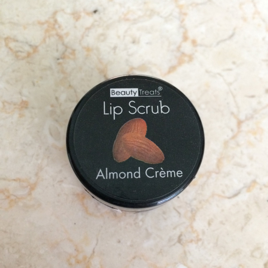 BEAUTY TREATS Lip Scrub (Almond Creme)