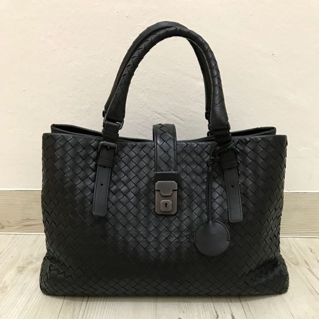Bottega Veneta Nero Intrecciato Calf Medium Roma Bag