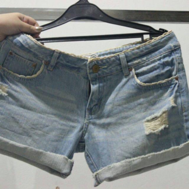 Celana COLORBOX pendek ripped jeans