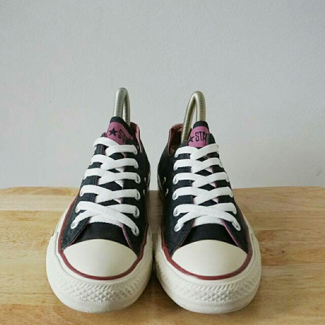 Converse with purple line