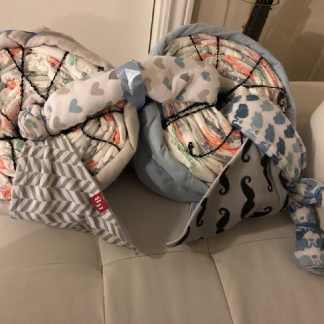 Diapers, bids and blankets gift
