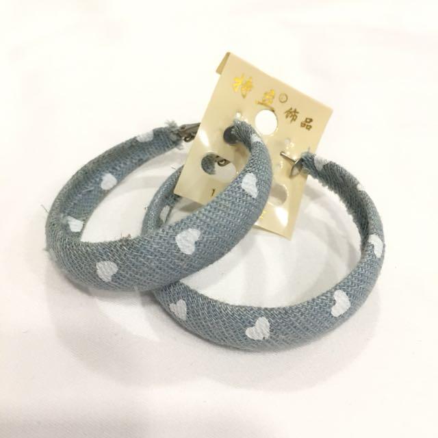 Hearts Denim cloth on round metal earrings