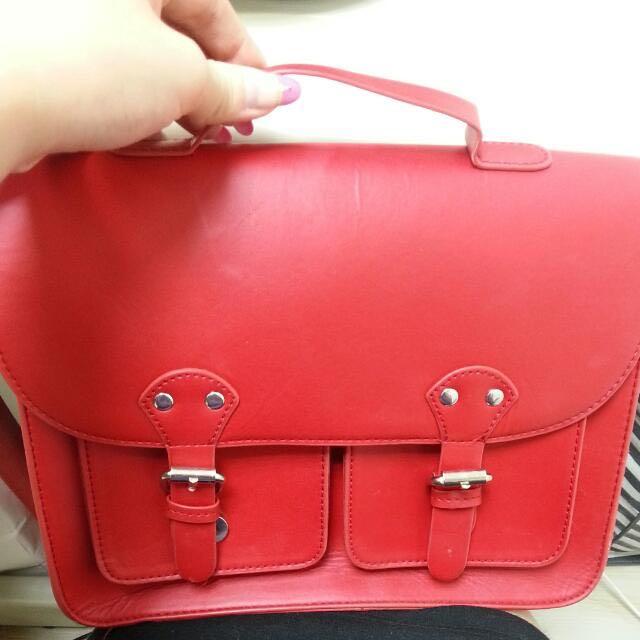 H&M 韓國購 辣椒紅 小包1200左右 極輕 用過一次
