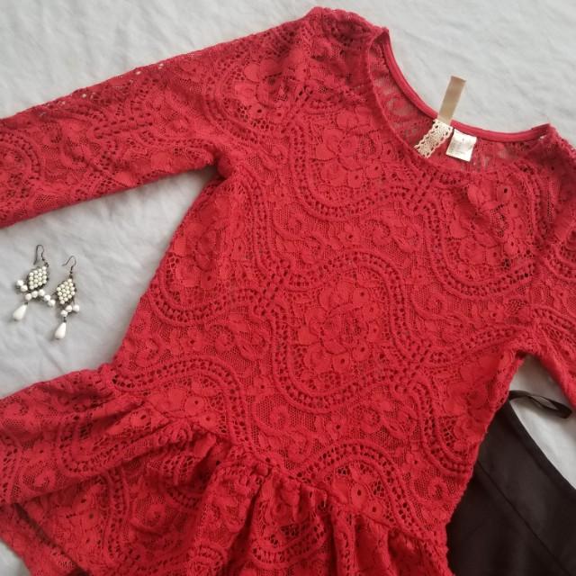 H&M lace peplum top
