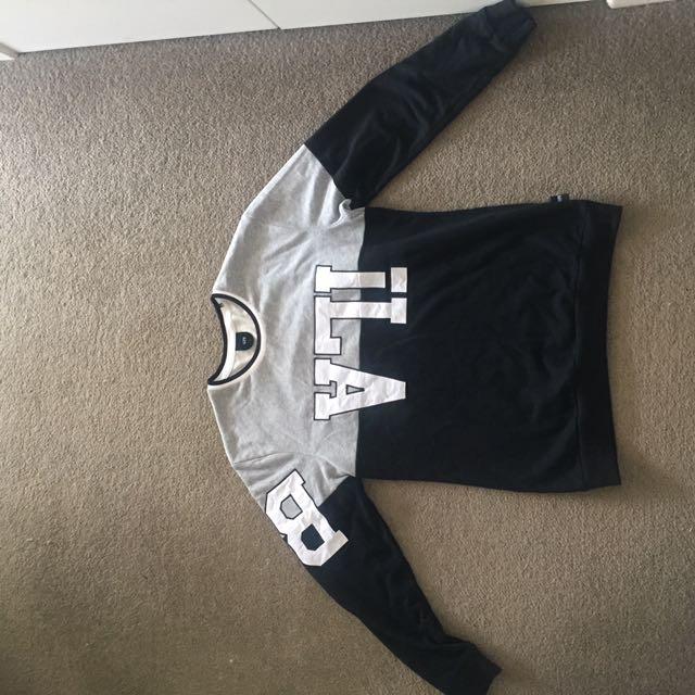 Ilabb Sweater Unisex Size Small