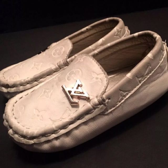 Louis Vuitton Kids Toddler Ivory Cream Unisex Loafer Moccasin Shors Sz Toddler 6