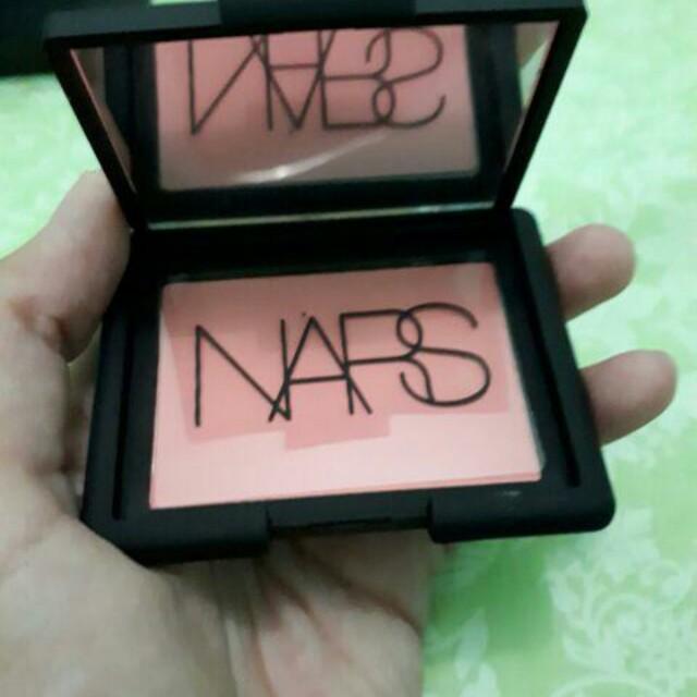 NARS Blush shade lovejoy
