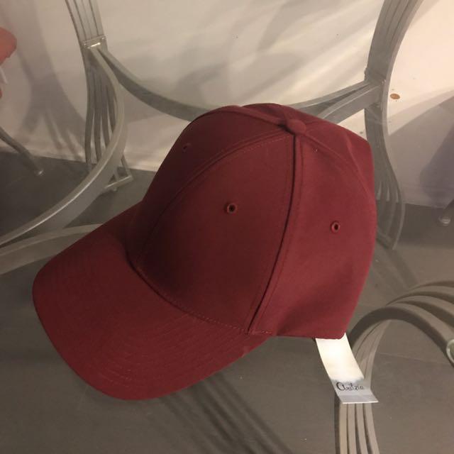 NEW. Aritzia Hat