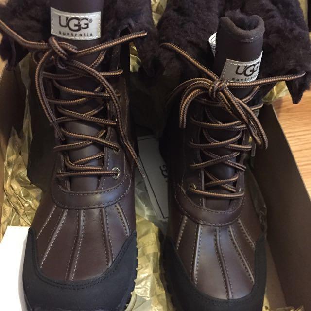 New Women's Adirondack Ugg boots size 8