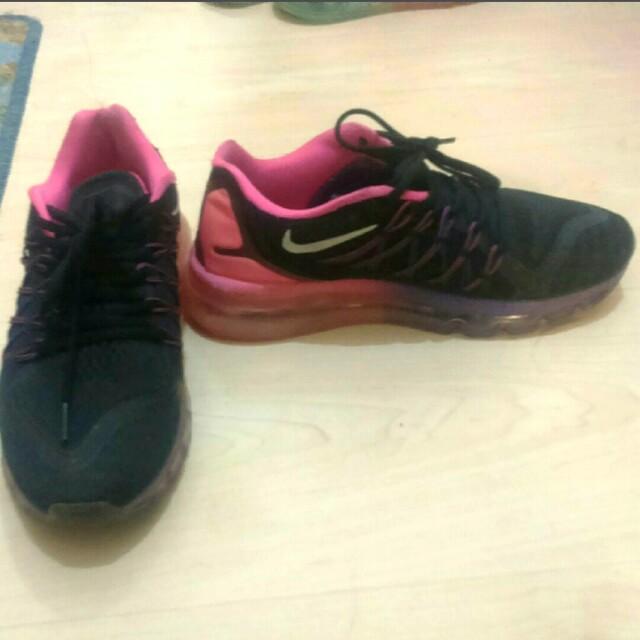 Nike氣墊慢跑鞋
