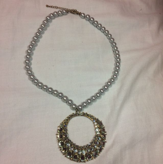 Pearl Necklace with Jewel Pendant