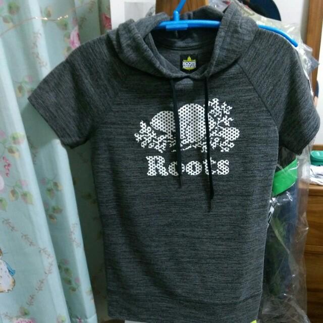 Roots 女生連帽短T