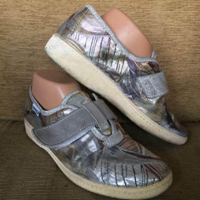 Sepatu sneakers emanuela import 65f2b18bae