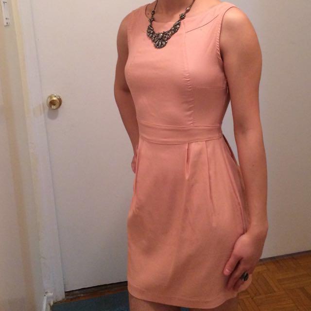 Small pinkish dress 👗
