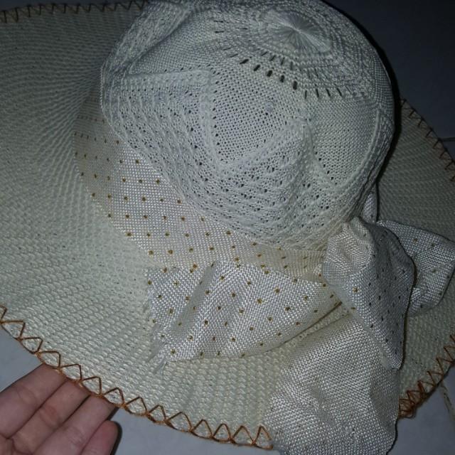 Topi Pantai whitegading
