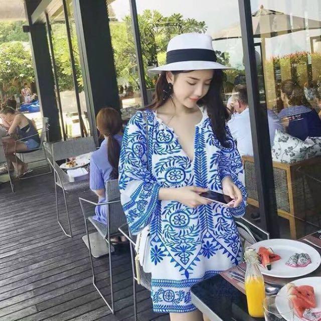 青花刺繡洋裝👗V領民俗風圖騰連身裙