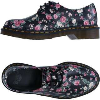 DR MARTENS WOMEN ORIGINAL BLACK VINTAGE ROSE SOFTY