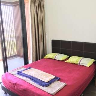 Room $450/Biweekly rental