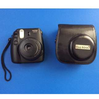 FREE Case Included - Black Fujifilm Instax Mini 8 (Like New)