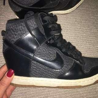 Nike Skyhigh Dunks - size 7