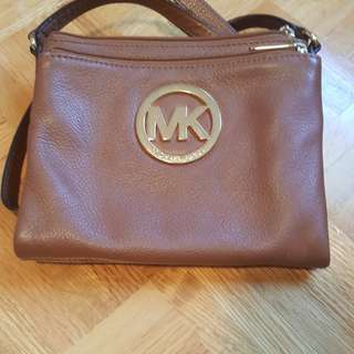BRAND NEW MICHAEL KORS SATCHEL LIKE NEW