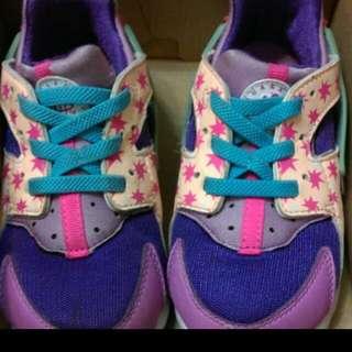 🚚 正版Nike 耐吉女童鞋 運動鞋sports 休閒鞋 武士鞋