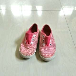 Pink shoes/sneakers size 8.5 (6.5 inches)