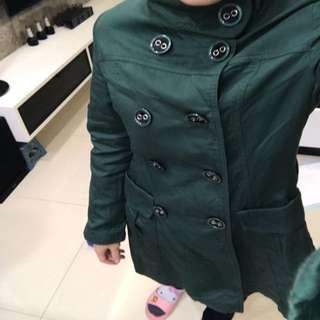 🚚 原價1600綠色挺版楓衣