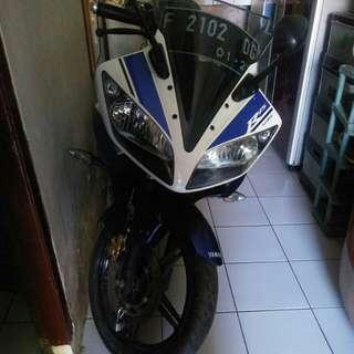 Motor yamaha r16