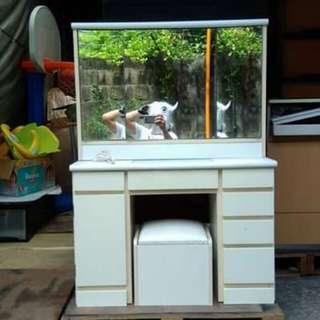 White Vanity Dresser w/ Stool 🎄🦌🎅☃️⛩️
